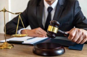 Criança é impedida de estudar e juiz determina a rematrícula imediata sob pena de multa de 5 mil reais